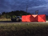 Tragiczny wypadek na trasie Tuliszków - Grzymiszew niedaleko Turku. Jedna osoba zginęła, a trzy zostały ranne