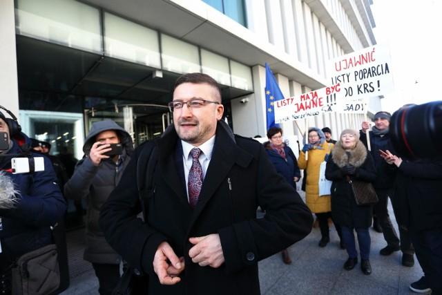 Ustawa dyscyplinująca. Sędzia Paweł Juszczyszyn nie będzie kontynuował spraw w Sądzie Okręgowym. Kolegium donosi na Nawackiego
