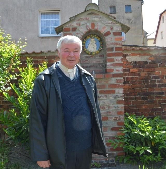 Ksiądz Andrzej Szkwarek obchodzi jubileusz 35-lecia kapłaństwa. Z tej okazji burmistrz Wojciech Sołtys złożył mu serdeczne życzenia