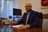 Młody wójt gminy Bobrowice, Wojciech Wąchała przed sporymi wyzwaniami. Największym będzie kanalizacja