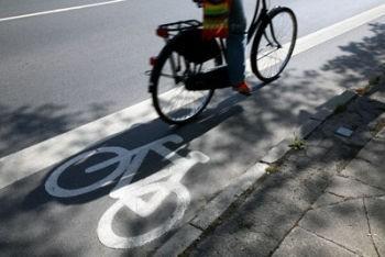 Prawodawca, zmieniając przepisy, ma na celu poprawę bezpieczeństwa wszystkich użytkowników dróg. Aby tak się stało, oprócz przepisów konieczne jest więc zapoznanie się z nimi wszystkich, których one dotyczą.