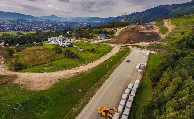 Budowa S1, tzw. obejścia Węgierskiej Górki we wrześniu 2020 r. To jeden z najdroższych odcinków dróg ekspresowych, budowanych w Polsce.Zobacz kolejne zdjęcia. Przesuwaj zdjęcia w prawo - naciśnij strzałkę lub przycisk NASTĘPNE