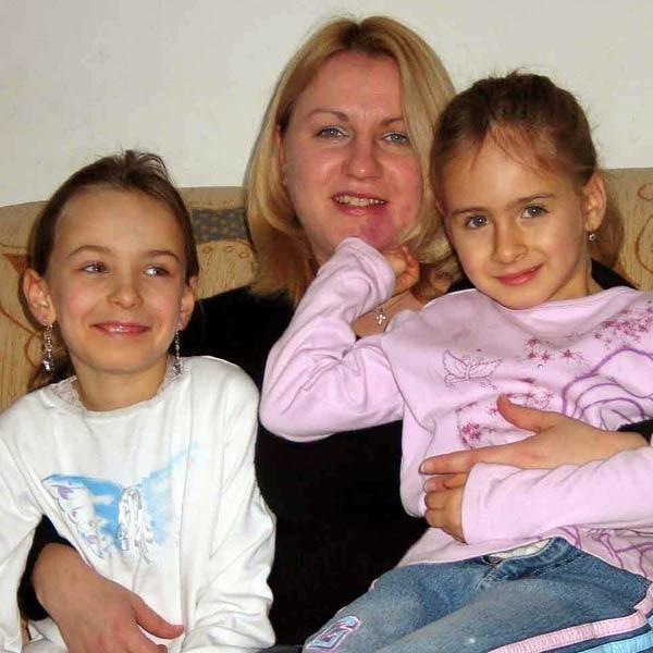 Anna Podolska z córkami Dominiką i Natalią: Większe pieniądze to ulga dla wielu borykających się z codziennością samotnych mam