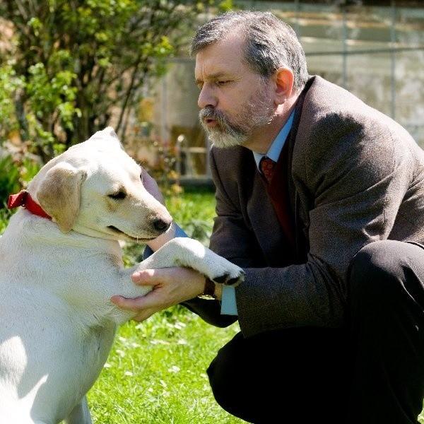 Cezary Morawski i labradorka Twiggi