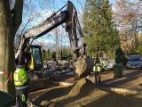Stargardzki cmentarz cały rozkopany. Budują nowe alejki. ZDJĘCIA