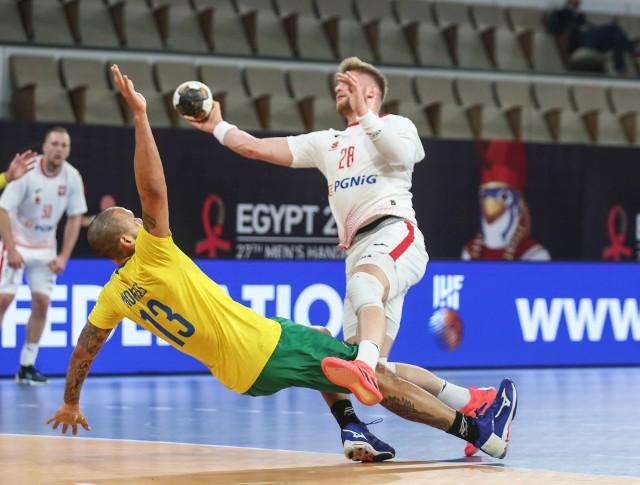 Polscy piłkarze ręczni pokonali Brazylię 33:23 i awansowali do drugiej rundy z dwoma punktami na koncie.