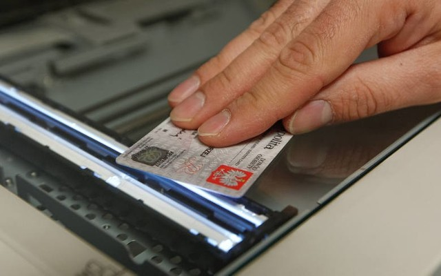 W Łódzkiem tysiące osób musi wymienić dowód osobisty w tym roku.