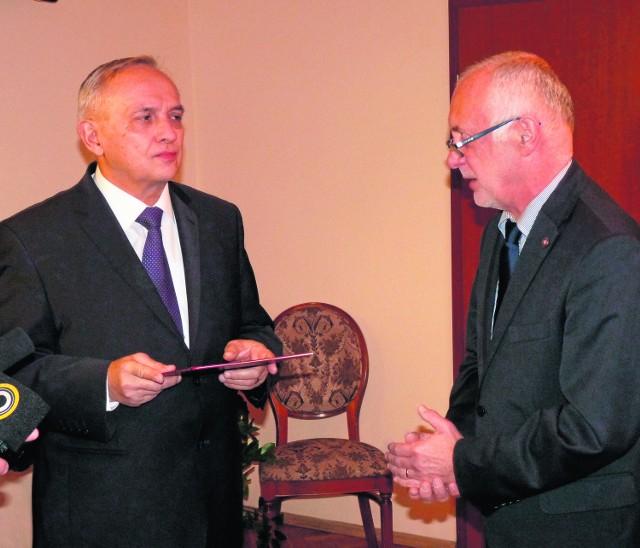 Wiesław Kamiński (z lewej), który od kilku dni pełni obowiązki prezydenta miasta, nie wyklucza udziału w wyborach