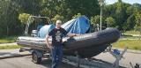 Pomóżmy mu wrócić na morze! Organizator Marszu Śledzia zbiera na naprawę łodzi