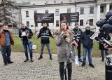 """Protest branży weselnej w Radomiu. """"Chcemy normalnie żyć i pracować"""" - mówili zdesperowani"""