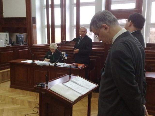 IPN oskarża koszalińskiego parlamentarzystę Jan Kuriatę o współpracę z SB.