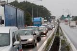 Ciężarówka w rowie. Duże utrudnienia na ważnej drodze do Wrocławia