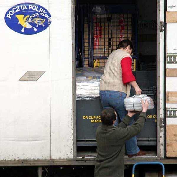 Codziennie do tarnobrzeskiej sortowni docierają tysiące listów. Na szczęście większość z nich trafia do rąk adresatów  nienaruszone.
