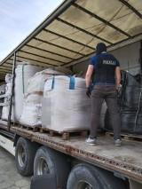 Trójmiasto: ujawniono miejsca nielegalnego składowania odpadów. Zabezpieczono kilkaset ton substancji
