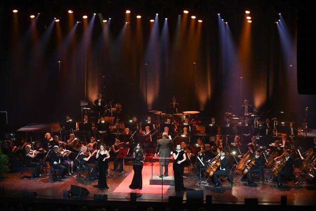 Toruńska Orkiestra Symfoniczna na razie nie może występować, ale mimo to nie pozwala o sobie zapomnieć słuchaczom