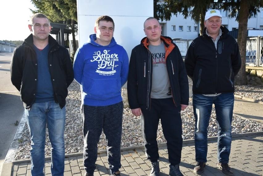 Trzech dzielnych chłopaków z Ukrainy uratowało życie 25-letniemu Polakowi w lesie między Kiełpinem a Somoninem. Zdjęcia