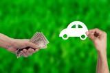 Jak nie paść ofiarą oszustów przy zakupie używanego auta przez internet? Przekonaj się