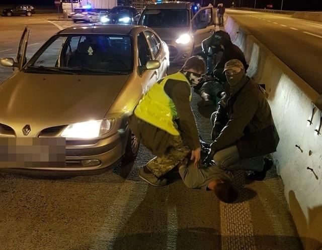 Praca w policji związana jest na pewno z adrenaliną, a jakie są warunki finansowe?