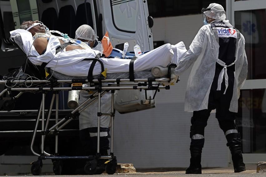 Koronawirus w Brazylii: Pandemia nie odpuszcza. Ludzie duszą się z braku tlenu, a zwłoki leżą na szpitalnych korytarzach