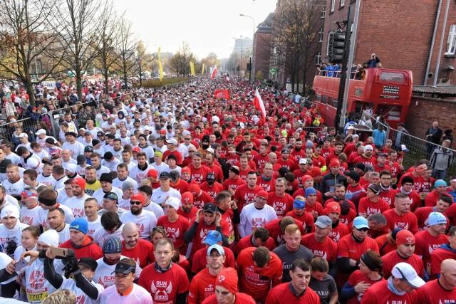 Bieg Niepodległości w Poznaniu w poprzednim roku ukończyło 22,5 tys. zawodników. To rekord wszech czasów podczas imprez biegowych w naszym kraju