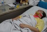 Chcą wypisać ze szpitala ofiarę wypadku ze złamanym kręgiem...