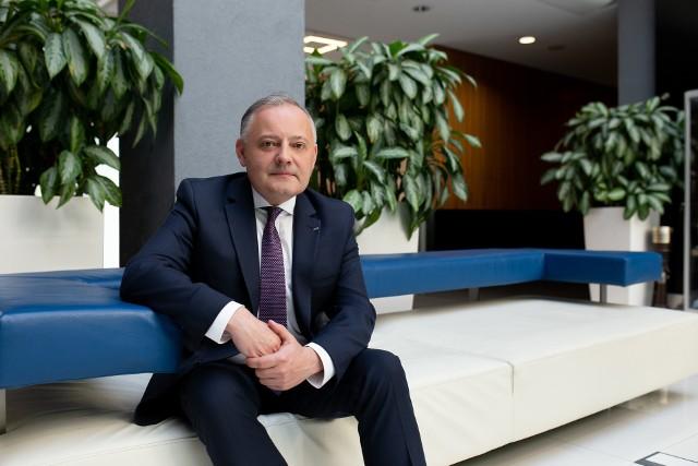 Prezes Wojciech Dąbrowski przejął stery PGE w lutym 2020 roku