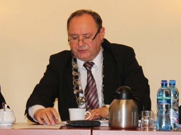 Andrzej Pietrusiak musi pożegnać się z funkcją przewodniczącego rady.