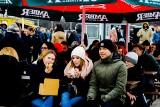 Festiwal Smaków Food Trucków 2018 - Galeria Metropolia w Gdańsku. Chętnych na jedzenie pod chmurką było mnóstwo, zabrakło słońca [zdjęcia]