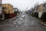 Najgorsze ulice w Poznaniu. Dla mieszkańców Podolan dziury, kałuże i błoto to codzienność