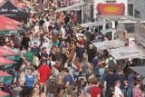 Poznań: Wielka Szama na Stadionie, czyli Festiwal Smaków Food Trucków 2020. Tłumy przy Bułgarskiej! Zobacz zdjęcia