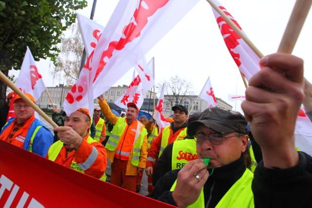 Protest firm śmieciowych w Poznaniu
