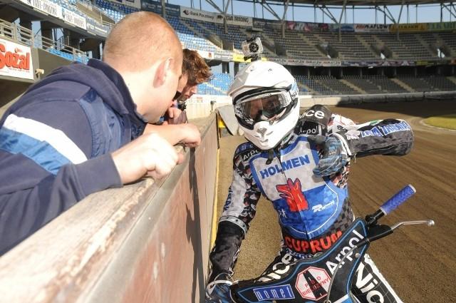 Adrian Miedziński wciąż nie odnalazł optymalnej formy po upadku w Pradze.