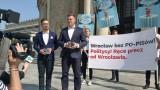 W Warszawie przeciw partii i Dutkiewiczowi