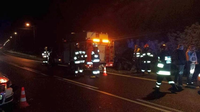 Ranną pasażerkę jednego z pojazdów przetransportowano do...