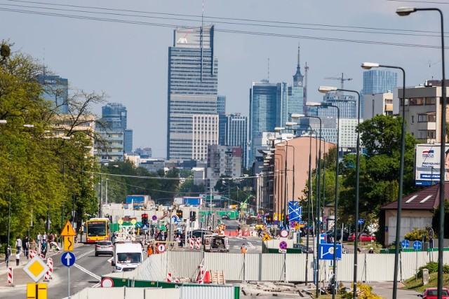 Warszawa: Utrudnienia w ruchu 14-16.08.2020. Zmiany w komunikacji, zamknięte ulice, objazdy