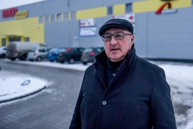 Grzegorz Kozłowski wciąż wierzy, że uda mu się odzyskać pieniądze. Obecnie jego sytuacja finansowa jest bardzo trudna, swój majątek wyprzedaje na aukcjach internetowych