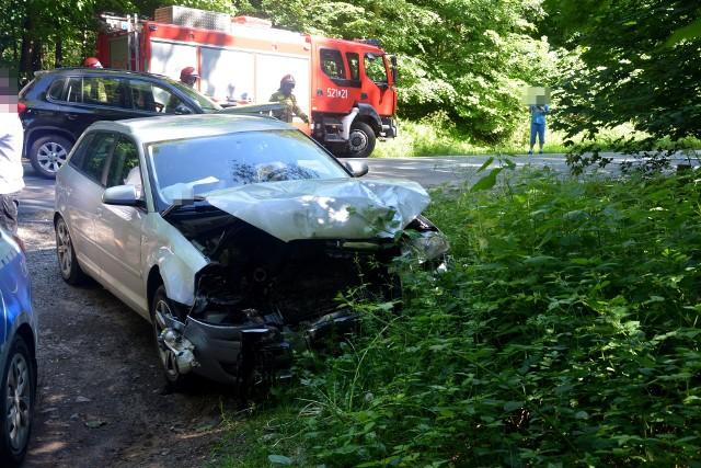 W Niechorzu na DK 25zderzyły się czołowo dwa samochody osobowe