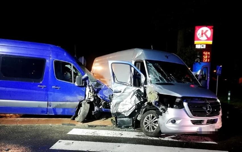 Do wypadku doszło przed północą na szosie krajowej nr 24 w...