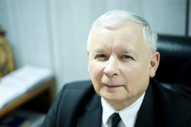 Jarosław Kaczyński - prezes Prawa i Sprawiedliwości. Działacz opozycji antykomunistycznej. Był szefem kancelarii prezydenta Lecha Wałęsy. Po odejściu z niej założył partię Porozumienie Centrum. W 2001 r. założył PiS, pracami partii kieruje od 2003 r. Premier w latach 2006-2007.Niniejszy wywiad został przeprowadzony 30 września, a autoryzowany - 3 października 2016 r.