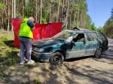 Tragedia w gminie Trzebielino 7.06.2021 r. Samochód uderzył w słup, obok pojazdu znaleziono ciało mężczyzny