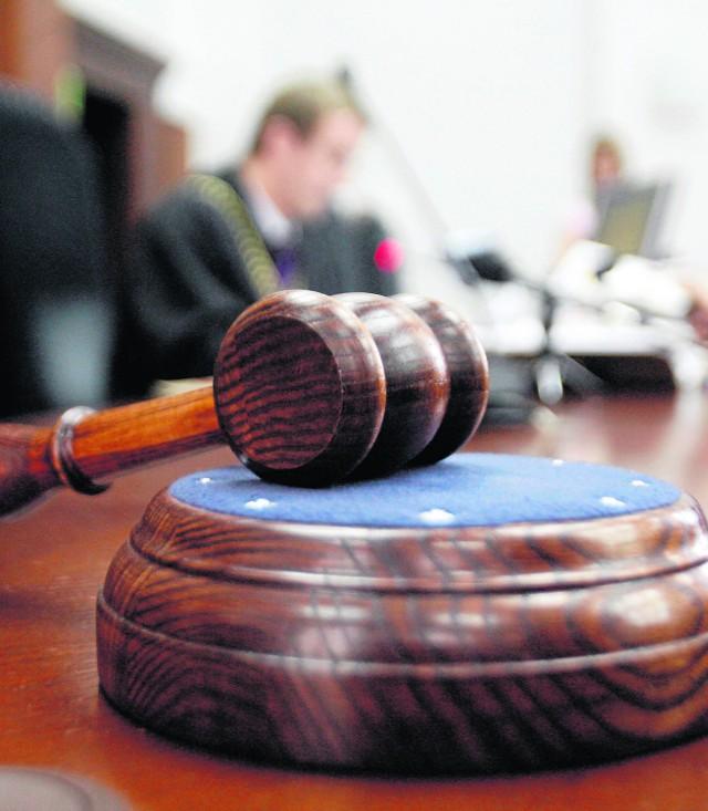 Sąd pierwszej instancji ponownie będzie musiał rozpatrzyć sprawę urzędników z Czerwonaka