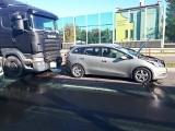 Wypadek na ul. Kazimierza Wielkiego. Zderzenie trzech samochodów. 3 osoby ranne, w tym 2 dzieci (zdjęcia)