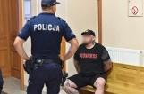Leszno: Areszt dla kierowcy porsche, który uderzył pieszą na pasach. Wcześniej miał próbować dokonać rozboju