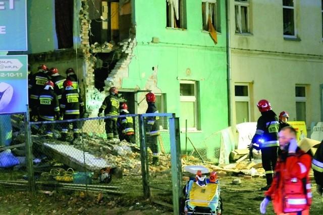 Po wybuchu para straciła mieszkanie. Co było dalej?Jest 2 grudnia 2011r., godz. 6.20. Dochodzi do wybuchu gazu przy ul. Grudziądzkiej 23-25.