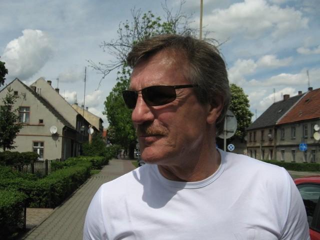 Józef Młynarczyk, legendarny bramkarz reprezentacji Polski, z którą zajął trzecie miejsce na mundialu w 1982 r. Pochodzi z Nowej Soli, obecnie mieszka w Łodzi, gdzie prowadzi prywatną firmę transportową. Jest też opiekunem bramkarzy polskiej kadry olimpijskiej.