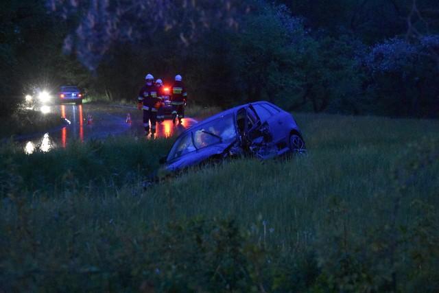 Na drodze Bielanka-Szymbark doszło do zderzenia audi i mercedesa. Trzy osoby zostały poszkodowane