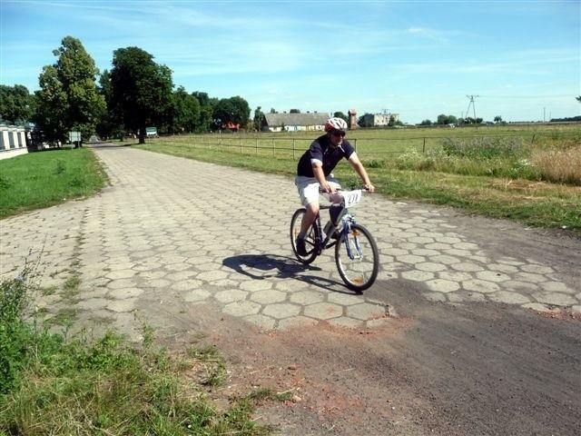 Maraton rowerowy dookola MiedwiaMaraton rowerowy dookola Miedwia odbyl sie w sobote.