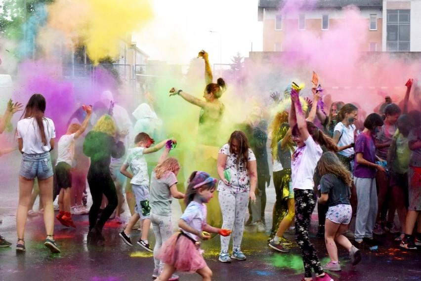 Święto kolorów odbyło się w sobotę, 12 czerwca, na boisku...