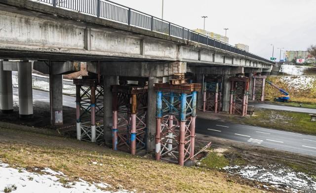 Remont wiaduktu na Wojska Polskiego oznacza dla kierowców kolejne utrudnienia.