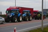 """Protest rolników z Agrounii. Zablokowana droga nr 15 między Sampławą a Lubawą. """"Tej siły już nie zatrzymacie"""""""